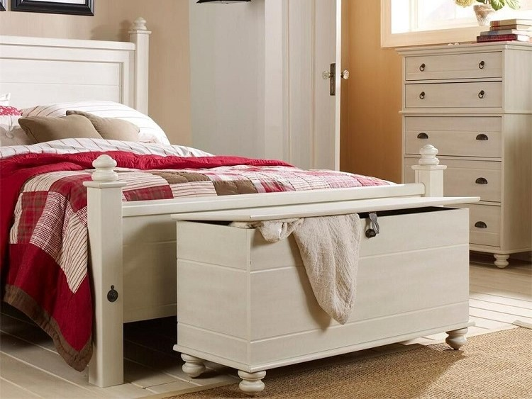 end of bed storage trunk